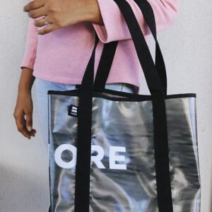 Einkaufstasche aus Reklameplakaten